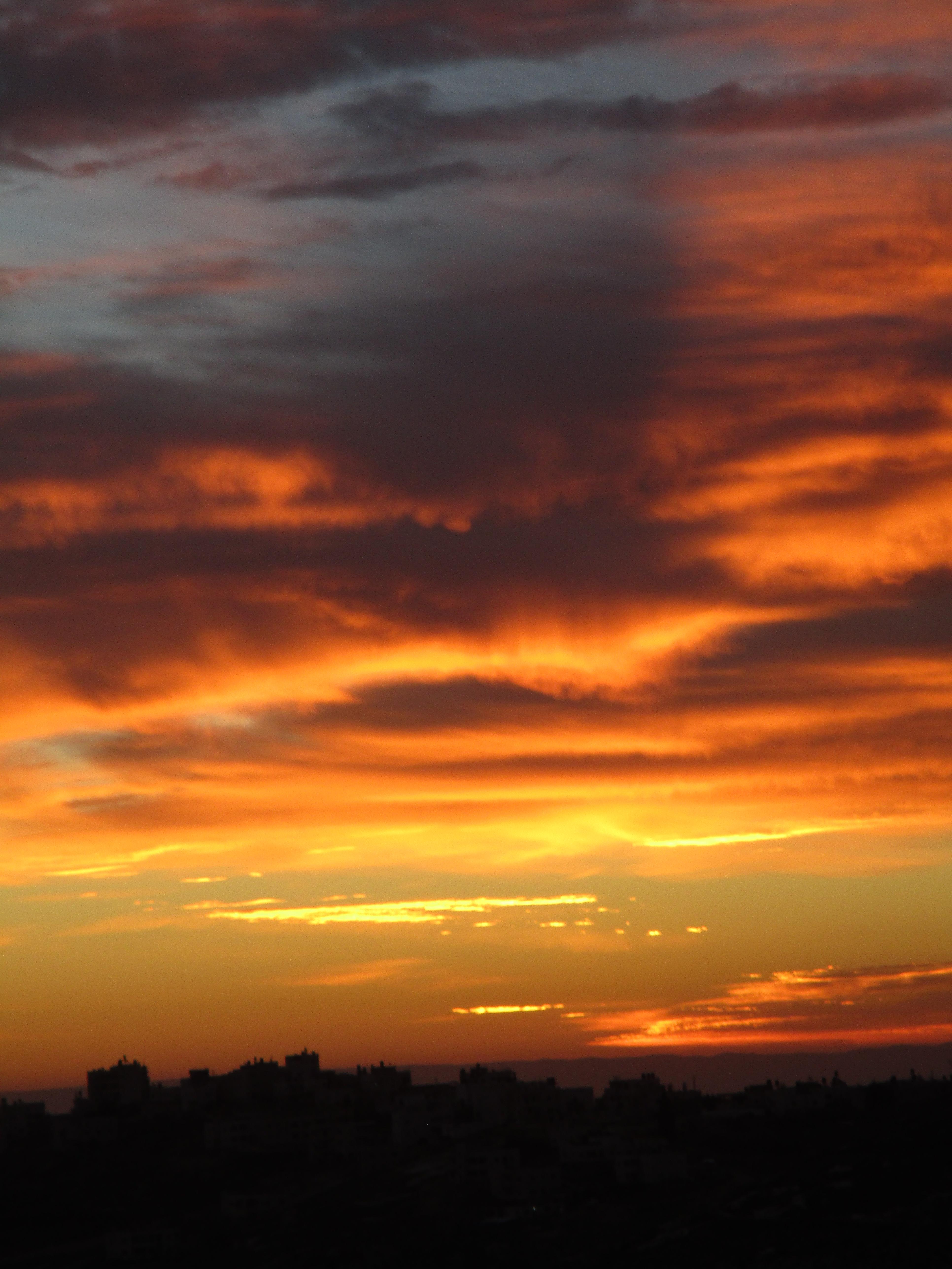 זריחה, שמיים אדומים, ברכות השחר