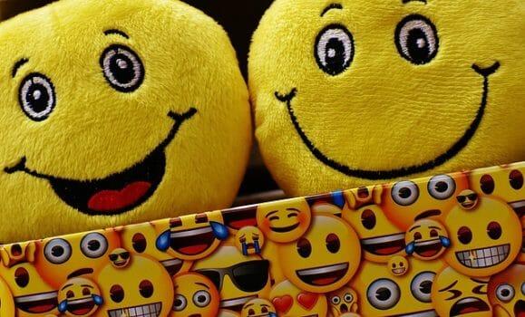 חיוכים איחולים ומזל טוב